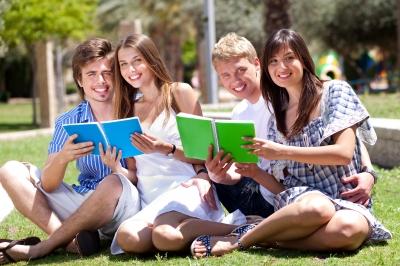scholarshipsngrants'
