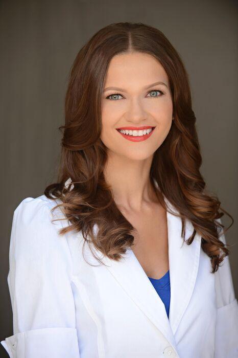 Dr. Izabella Wentz'