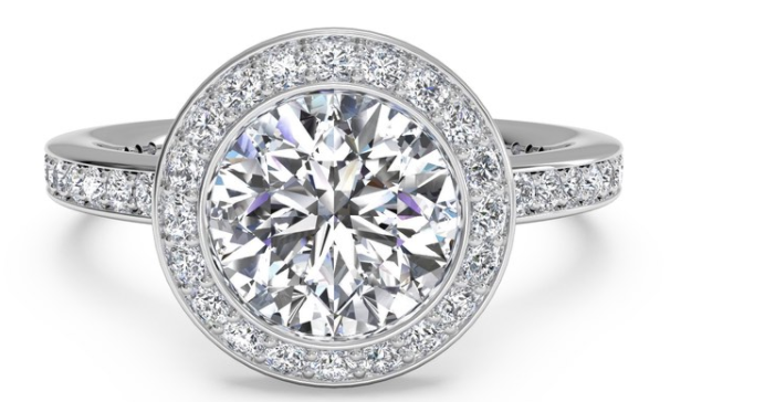 Natural Round Brilliant Earth-mined Diamond Engagement Rings