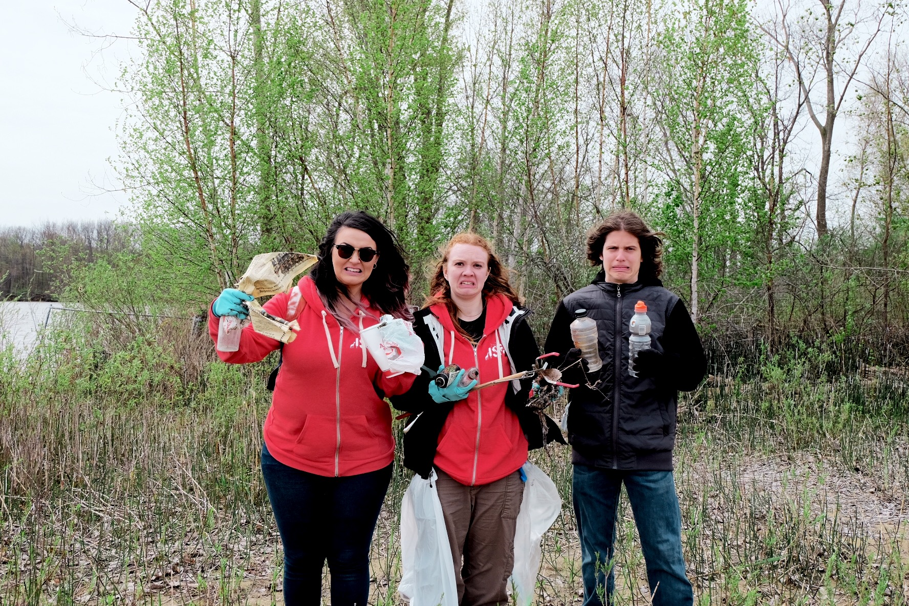 Jules Trace with youth volunteers at Flints First Cleanup