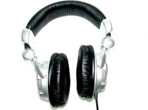 Website Brings Full Reviews on Studio Headphones from All Le'