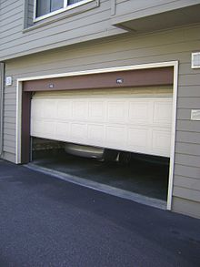 Garage Door Repair Services in Pasadena'