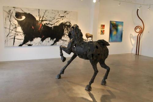 Siri Hollander's horse faces off'