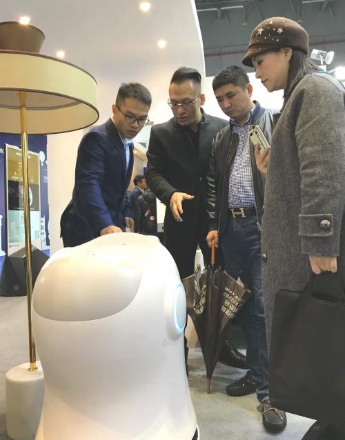 Huahui hotel robot solution.'