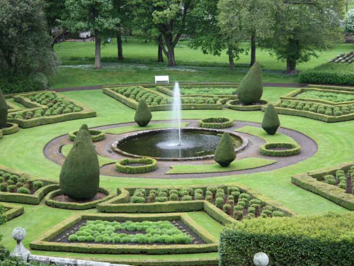 Landscaping and Gardening Services Market'