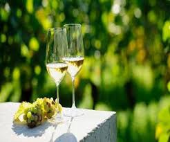 Dry White Wine Market'