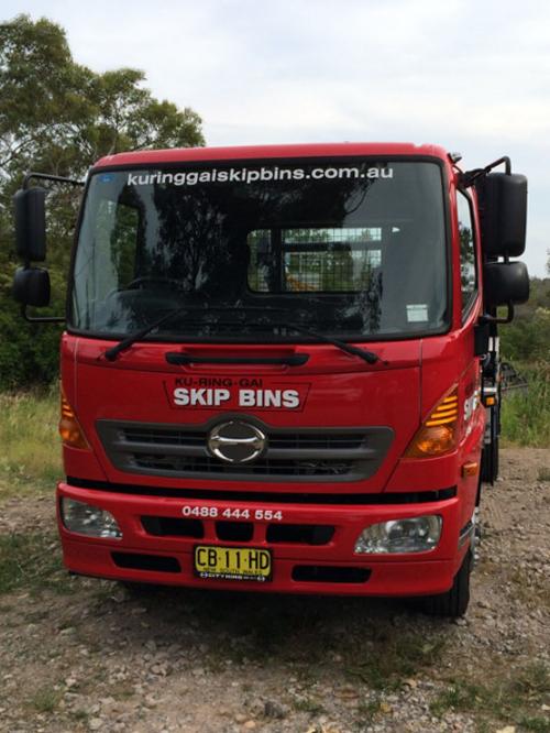 skip-bin-delivery-truck-1'