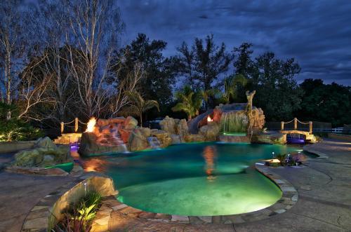 Swimming Pool Builder'