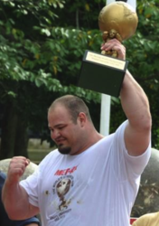 gI_79448_brian shaw worlds strongest man 2011.png'