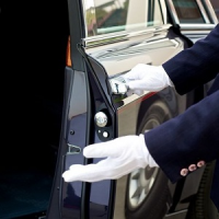 Lancaster Luxury Limousines, LLC. Logo