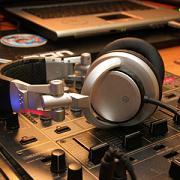 The Music Maker Dj Service Inc. Logo