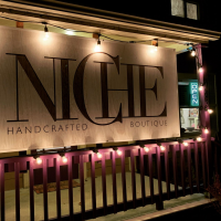 NICHE handcrafted boutique Logo