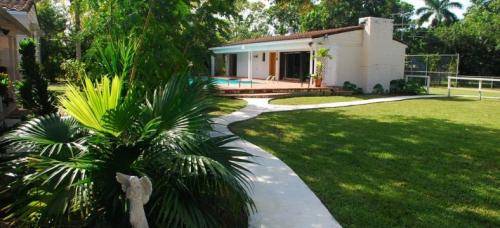Discover La Finca in Miami'