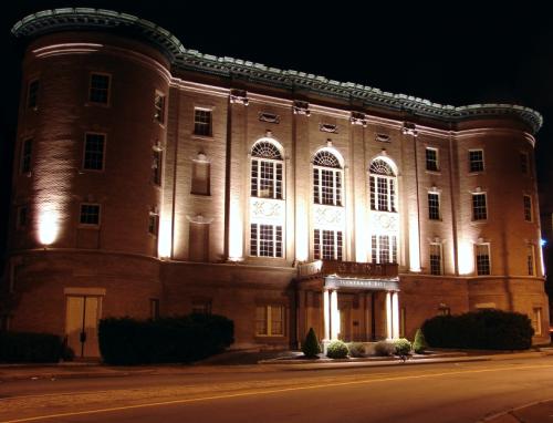 Tuckerman Hall'