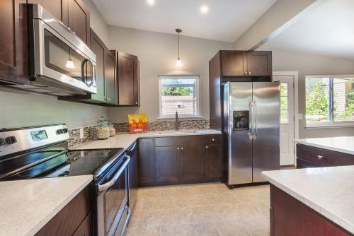Built-in Kitchen Appliances'