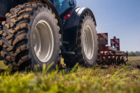Agriculture Tractor Tires Market