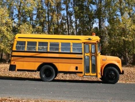 School Bus Market'