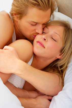 RELATIONSHIP EXPERT TEACHES WOMEN HOW TO WIN BACK LOVE'