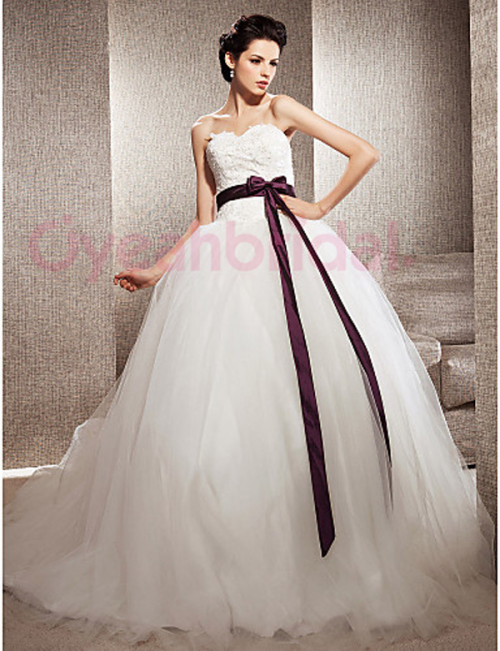 Oyeahbridal.com Develops a New Line of Ball-Gown Wedding Dr'