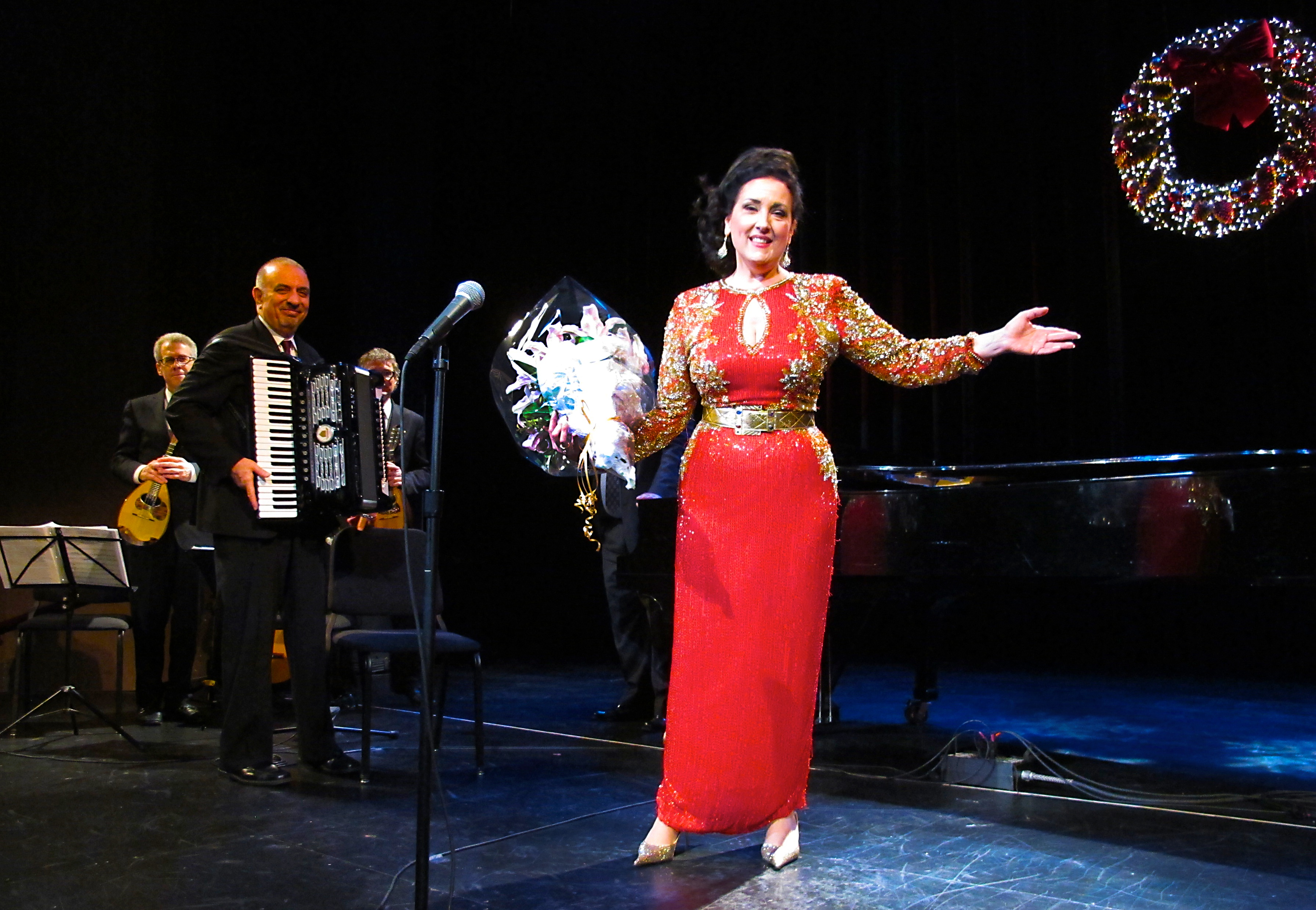Award-winning Singer Cristina Fontanelli and musicians