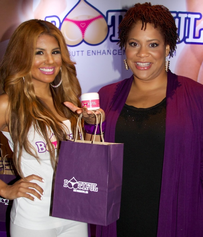Actress Kim Coles gets Bootiful Butt Cream at AMA gift suite
