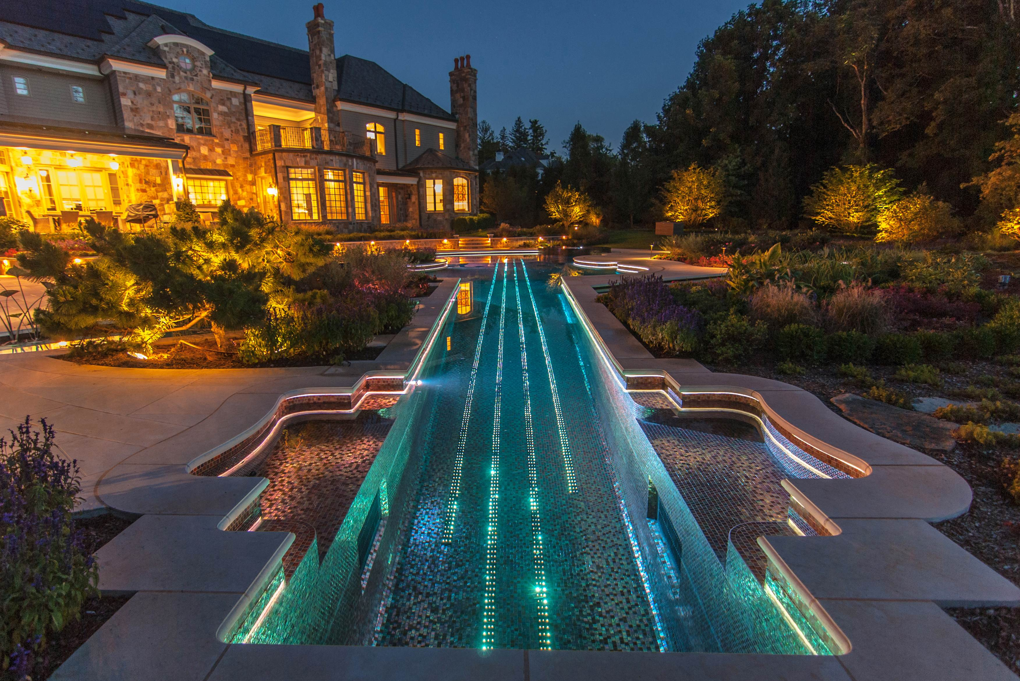 Luxury landscape and swimming pool lighting design