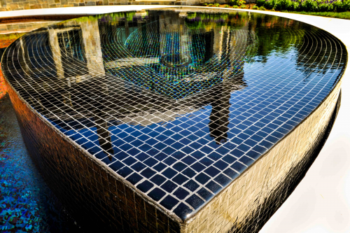 Luxury Perimeter Overflow Spa Design'