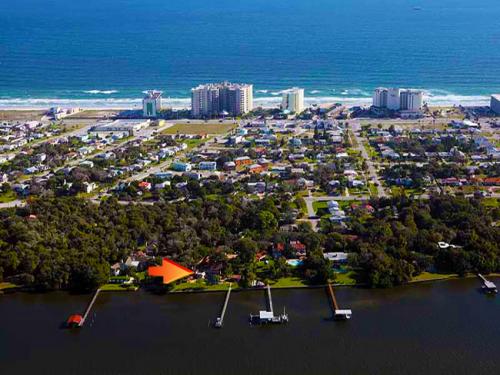 Luxury Riverfront Homes Daytona Beach Shores'