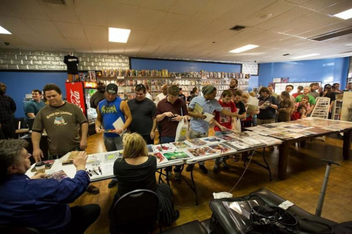 Neal Adams draws 600+ fans from the surrounding area.'