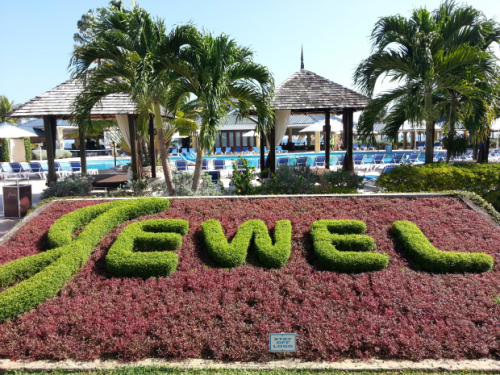 JEWEL RESORT AND RUNAWAY BAY GOLF CLUB'