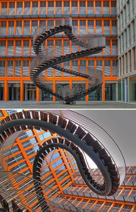 Umschreibung at KPMG Building Munich (Ge'