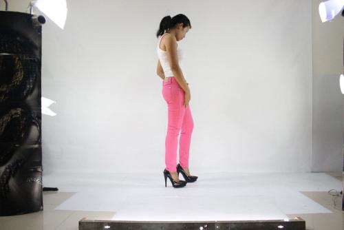 Women & men's jeans in over 2000 sizes custom-m'