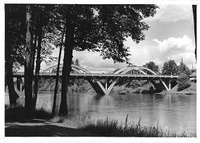 Caveman Bridge'