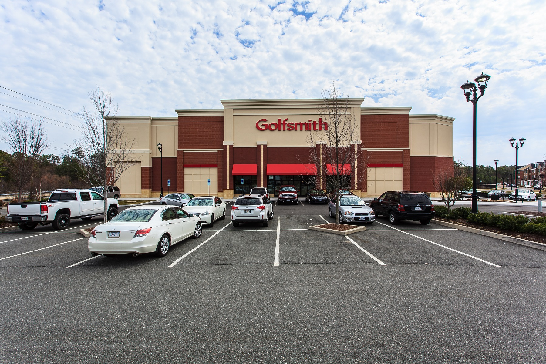 Golfsmith Retail Building