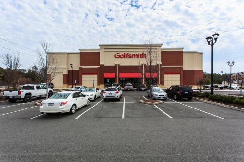Golfsmith Retail Building'