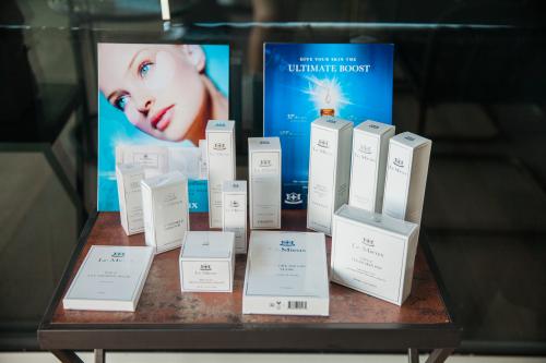 Le Mieux Cosmetics, silent auction sponsor'