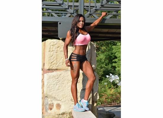 Tanesha White Fitness Model and Figure Competitor