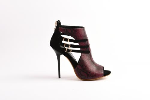 Shop Your Unique Womens' Shoes'
