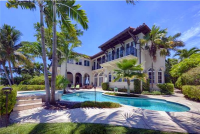 Danny Hertzberg Showcases Home on Di Lido Island