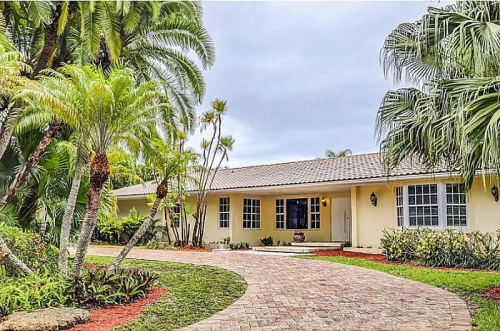 Greater Miami Investments, Inc. Presents Hammocks Oaks Home'